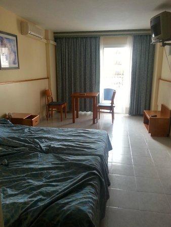 Hoteles Apartamentos Lux Mar: vista nostro monolocale dall'entrata della stanza