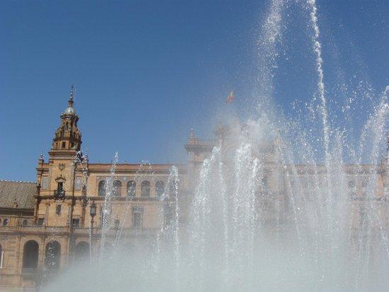 Plaza de España: the fountain