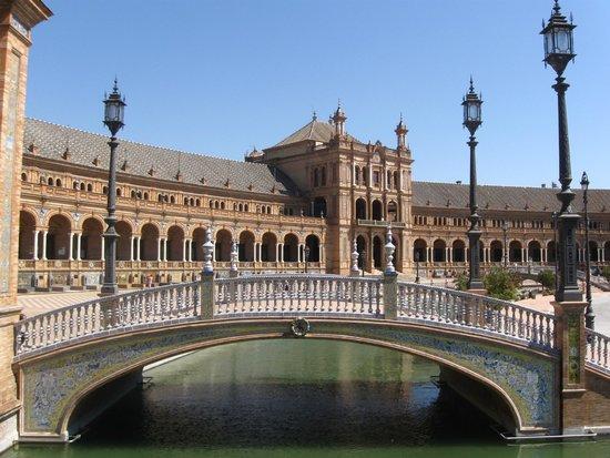 Plaza de España: the bridge