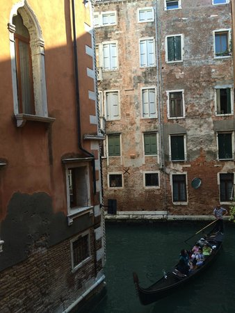 Alloggi alla Scala: the view from the quadruple room