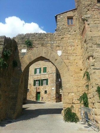 Crete Senesi : Borgo
