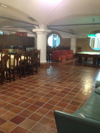 Leonardo Da Vinci Hotel: Tired and worn facilities