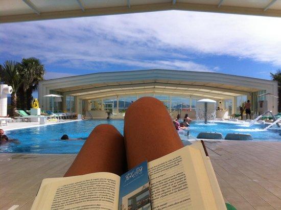 Augusta Spa Resort: Y si llueve, tu tranquilo!!! Se cierra la piscina y quedas en la gloria !!!