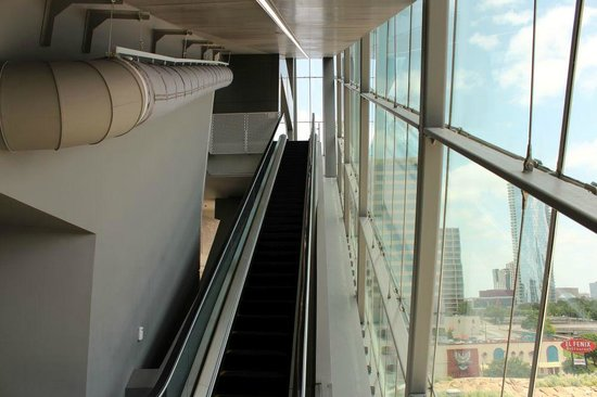 Perot Museum Of Nature And Science - Up The Escalator