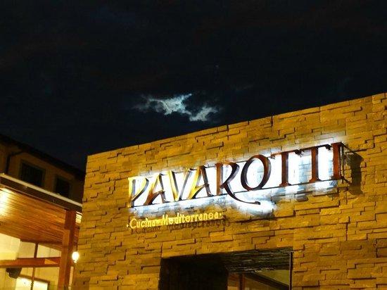Pavarotti: Entrada