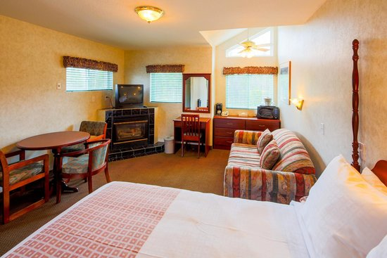Mount Robson Inn: Tekarra Suite