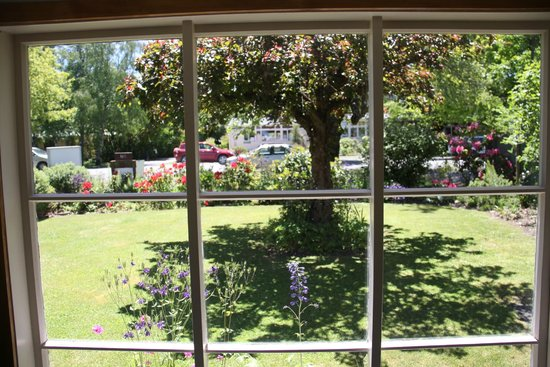 Rosie's Bed and Breakfast: Breakfast Room View