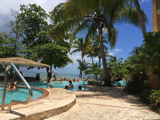 Rincon Beach Resort : deck