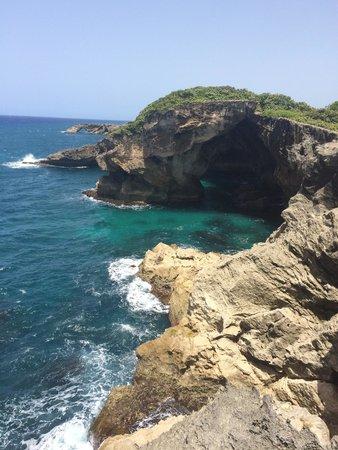 La Cueva del Indio : Great view with our tour guide peto