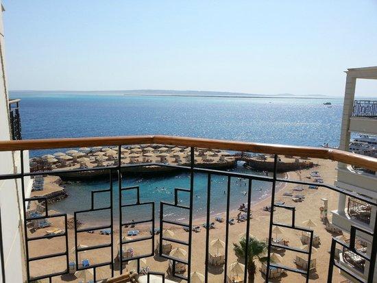 SUNRISE Holidays Resort: Uitzicht vanaf het balkon op de 7e etage
