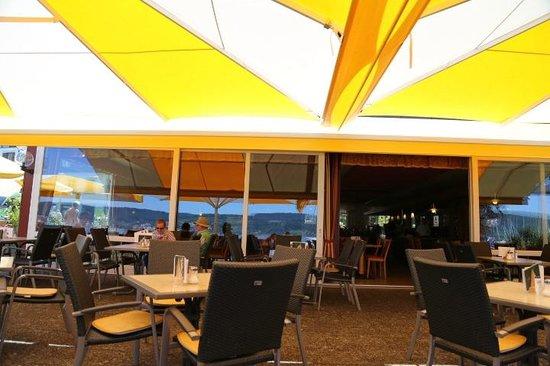Cafe Hasler: Restaurant from terrace