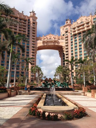 The Reef Atlantis, Autograph Collection: Royal Towers Hotel