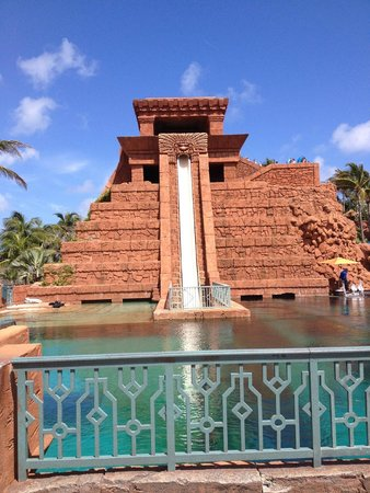 The Reef Atlantis, Autograph Collection : Leap of Faith Waterslide