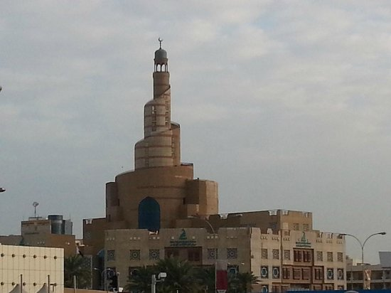 The Corniche : fanar mosque