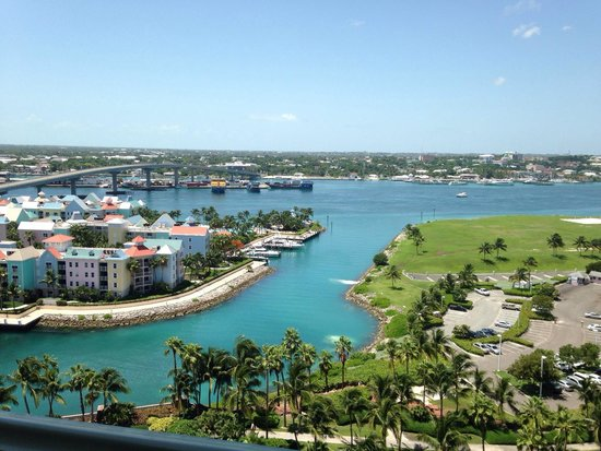 Atlantis, Royal Towers, Autograph Collection: We got upgraded to a harbor view room for free! Amazing view