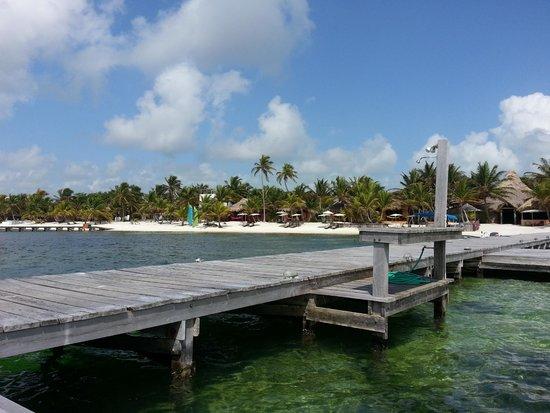 Matachica Resort & Spa: Pier looking back towards resort