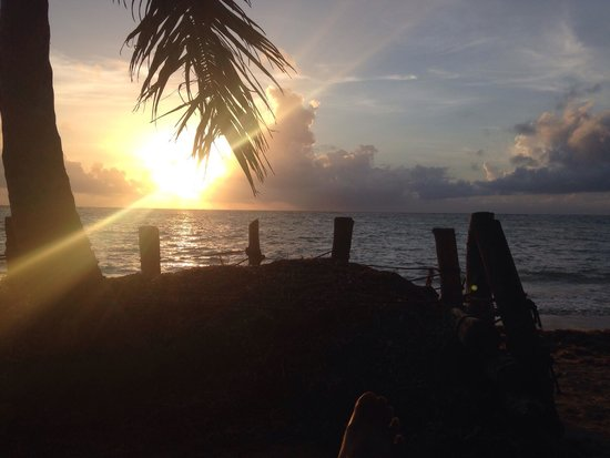 Little Corn Beach and Bungalow : Sunrise