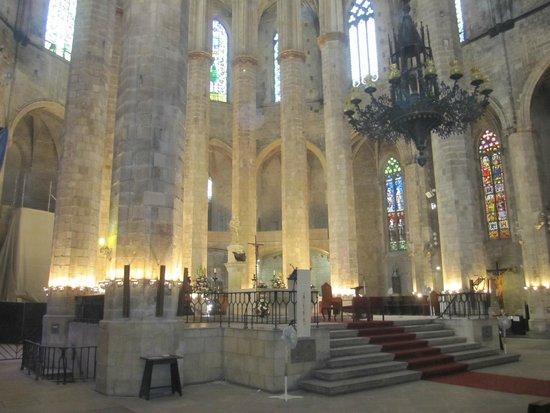 Église Sainte-Marie-de-la-Mer : Interior