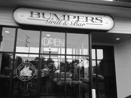 Fairview, Oregón: Bumpers Grill & Bar