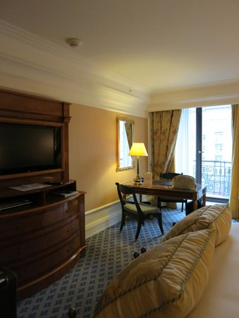 The Ritz-Carlton, Moscow: room