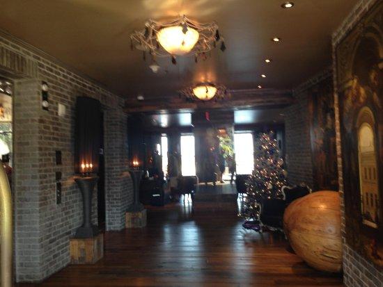 The Bohemian Hotel Savannah Riverfront, Autograph Collection: Lobby / Elevators