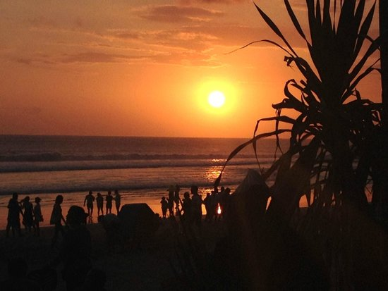 Puri Saron Seminyak: Sunset from bar in front of hotel