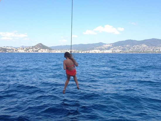 Folly Too: A rope swing attached to the mast!