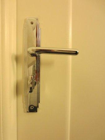 Hotel Borg by Keahotels: detail of hardware/doorknob