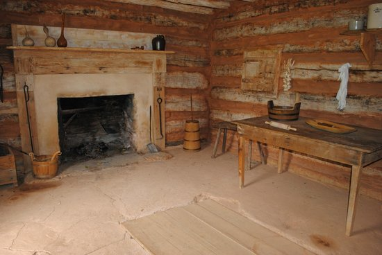 Booker T. Washington National Monument: Interior of slave cabin