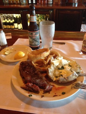 Ted's Montana Grill: Bison Strips steak... Not so strip. Too much fat for a strip bison