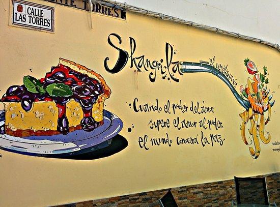 Shangri-La Vegetarian Restaurant: fachada lateral