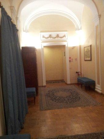 City Hotel: Hallway