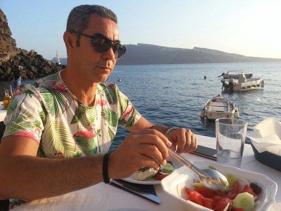 Sunset Ammoudi Taverna: Au Bord de l'eau
