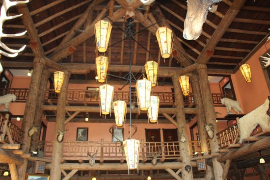 Lake McDonald Lodge: Lobby