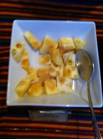 XIMA Puno Hotel: Fresh pineapple at 6 am