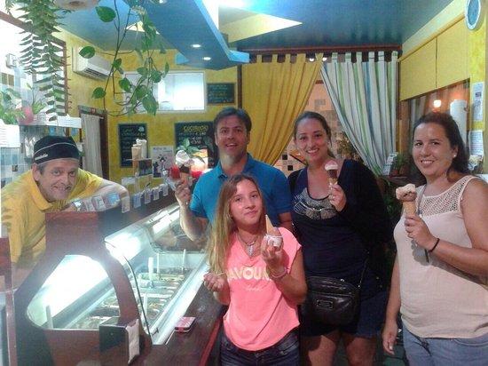 Heladeria Artesanal Italiana ...El Gusto: El mejor descubrimiento gastronómico de nuestras vacaciones!!! Espectaculares los helados y el t