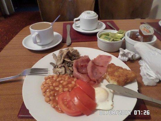 Park Hotel: El desayuno, si quedas con hambre, te sirves más