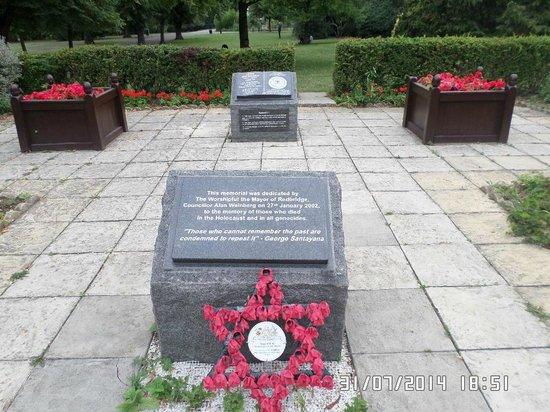 Park Hotel : área en honor a los muertos en el holocausto
