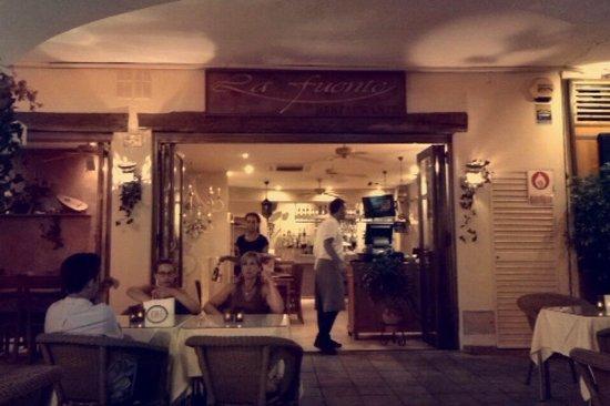 La Fuente : Restaurant
