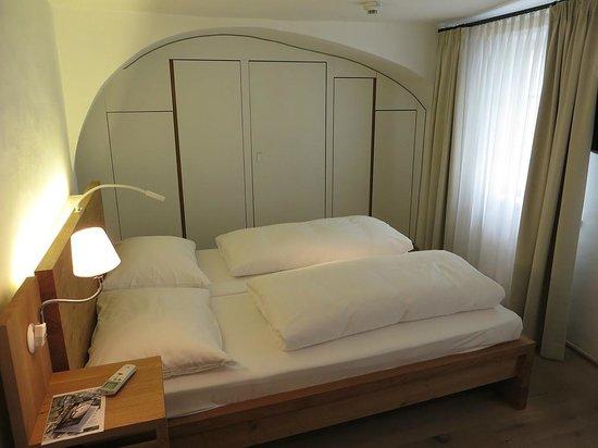 arthotel Blaue Gans: Comfy Bed