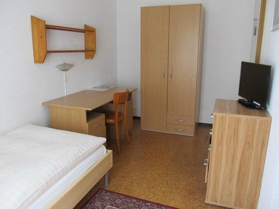 St. Georges: Single room