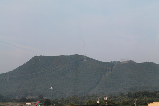 Holiday Inn Express Troutville-Roanoke North: Mountain View Out Our Window