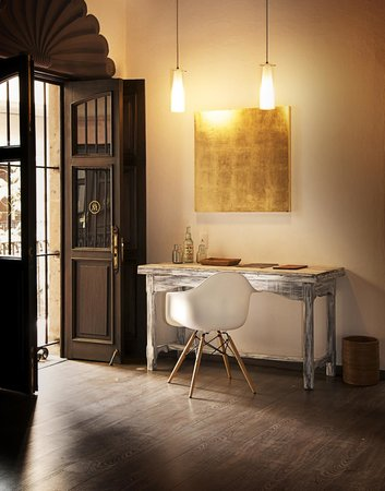Meson de Santa Rosa Luxury Hotel: SIMONETTA