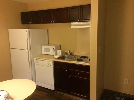 Extended Stay America - Houston - Med. Ctr. - NRG Park - Braeswood Blvd : Kitchen area