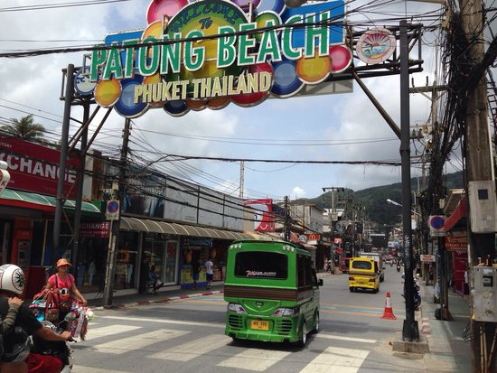 Patong Beach: Vom Strand gesehen.