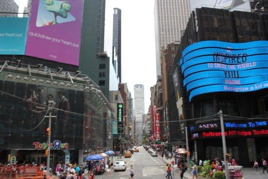 Times Square: Таймс-сквер