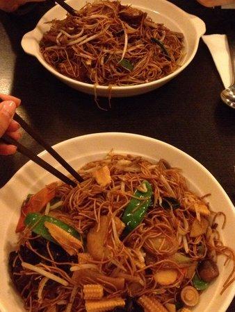 Hung Tao: Nuddles vegetariani e con anatra