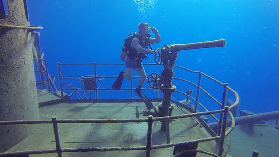 Off the Wall Divers: Exploring the Kittiwake