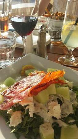 Kettle Creek Inn : Prosciutto and Fresh Fig Salad with Goat's Cheese