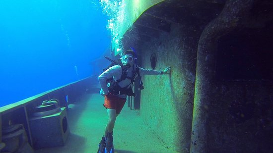 Off the Wall Divers: Exploring the Kitiwake
